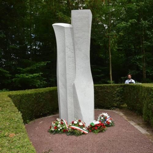 A Bagnoles per il restauro del monumento a Rosselli
